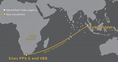 인도네시아 토바 화산 유리 파편은 9000㎞ 떨어진 남아프리카 해안에도 낙하됐다. CREDIT: Image credit Erich Fisher