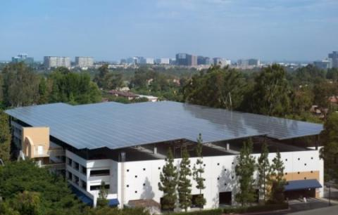 UCI 학생 센터 주자창 지붕 ⓒ pixabay