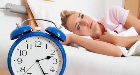피곤해도 쉽게 잠들 수 없는 사람들이 최근 들어 급증하고 있는 것으로 나타났다