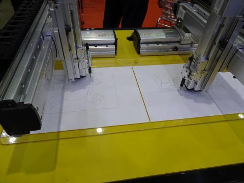 모션 컨트롤러, 로봇, 센서, 자동화 제어 상품 등 전시회장에는 미래 공장 솔루션을 위한 다양한 제품들이 자리했다. ⓒ 김은영/ ScienceTimes
