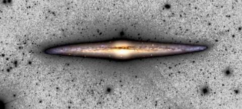 이번 연구에 모델로 사용한  NGC 4565 갤럭시 상상도 Credit: C. M. Lombilla / IAC