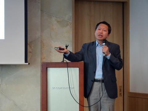 """박남기 광주교대 교수는 """"부자에게 불리한 입시제도는 없다""""며 """"실력주의는 학력주의읙 극한의 결과""""라고 말했다."""