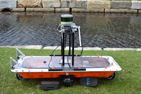 자율운행 보트인 'RoBoat' 시제품