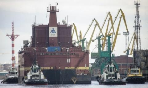 바지선 위에 건설된 이유로 예인선을 통해 항해할 수 있다 ⓒ Greenpeace