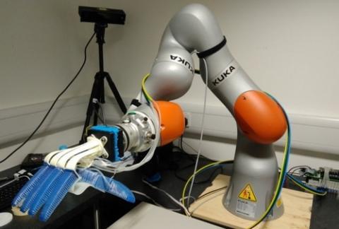 다양한 형태의 상품을 효과적으로 쥘 수 있는 그리퍼 로봇