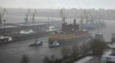 로모노소프호는 안전성 문제를 지적받고 있어서 제 2의 체르노빌로 불리고 있다 ⓒ Greenpeace