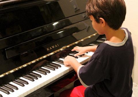피아노 레슨은 언어발달에 도움을 준다. ⓒPixabay