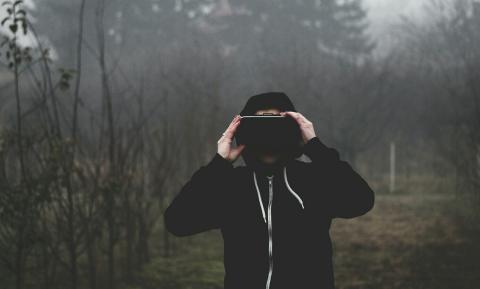 '눈'을 속이면 사람들은 마치 존재하지도 않는 공간과 사물이 자신의 앞에 있다고 믿게 된다. 가상현실기술은 오감을 통해 뇌를 속인다. ⓒ ScienceTimes