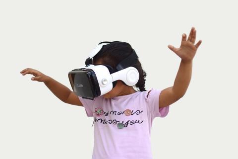 만 13세 미만의 어린이에게는 심한 경우 망상장애 등의 심각한 VR 부작용이 나타날 수도 있다. ⓒ ScienceTimes