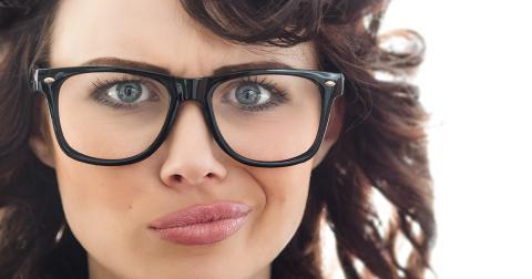 안경을 쓴 사람이  쓰지 않은 사람들과 비교해 더 영리할 수 있다는 연구 결과가 발표돼 시력이 저하된 사람들에게 위안이 되고 있다.  ⓒallaboutvision.com