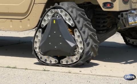 원형으로 달리던 바퀴는 지형에 따라 사각형으로 변할 수 있다 ⓒ DARPA