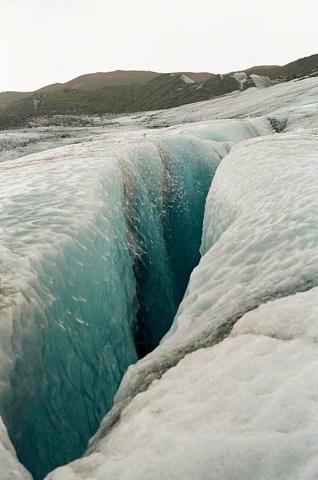 수십 미터~수백 미터에 달하는 크레바스. ⓒ www.flickr.com