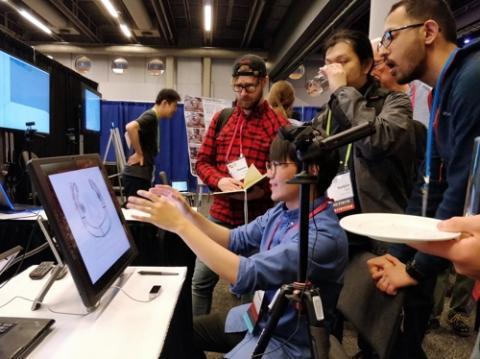 KAIST 연구진이 지난 4월 캐나다 몬트리올에서 열린 미 컴퓨터협회 '인간-컴퓨터 상호작용 학회'에서 에어 스캐폴딩 기술을 시연하는 모습.