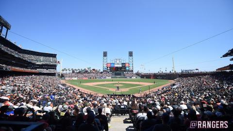미국 메이저리그에서 스트라이크‧볼 판정을 놓고 오심 시비가 가열되자 로봇 심판 도입 여론이 거세게 일고 있다. 사진은 MLB 구단인 텍사스 레인저스의 홈구장. 추신수 선수가 소속돼 있다.  ⓒtwitter.com/rangers