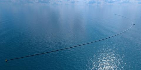 그동안 수차례 연기되었던 오션클린업 프로젝트가 마침내 올해 안에 사업화를 시작한다 ⓒ Ocean Cleanup