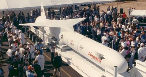 세계 최초로 항공기에 매달려 공중에서 발사됐던 페가수스 로켓 ⓒ Northrop Grumman