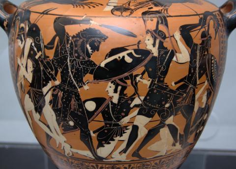 그리스 신화 속 아마존 전사들은 매우 용맹했으며, 특히 활을 잘 쏘았다고 전해진다. 사진은 헤라클레스와 싸우고 있는 아마존 전사의 모습. ⓒ wikimedia