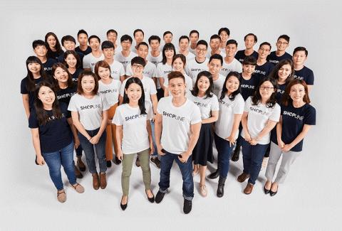 홍콩 스타트업 신화를 쓴 젊은이들. 토니 웡 대표와 샵라인의 직원들. ⓒ SHPLINE