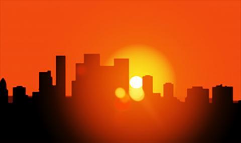 도심에서 해가 지는 광경. 도시 빌딩이나 환경에 열 완화기술을 모두 적용한다 해도 온실가스 배출에 따른 지구온난화로 많은 도시들은 극한적인 열파를 겪는 날이 증가할 것이라는 연구가 나왔다.  Photo courtesy of Pixabay / ASU