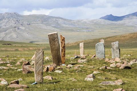 몽골 뫼렌(Mörön) 근처에 있는 사슴 거석. CREDIT: Wikimedia Commons / Aloxe