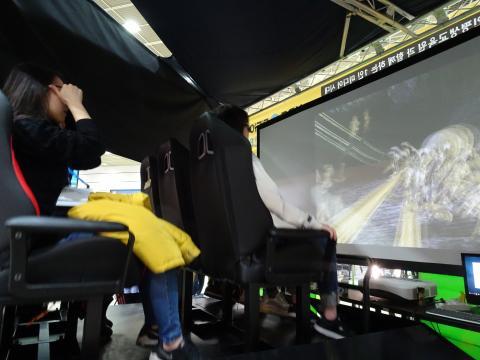빨려들어갈 것 같은 VR 롤로코스터. ⓒ 김은영/ ScienceTimes