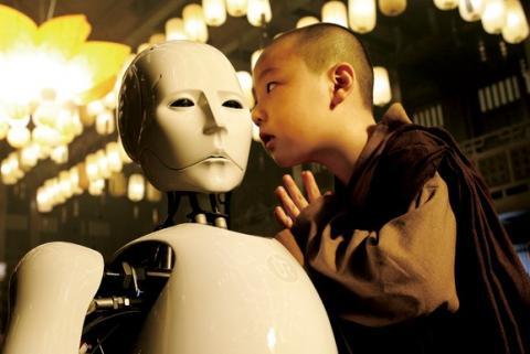 영화 '인류멸망보고서-천상의 피조물'편에서 AI는 인간의 번뇌를 초월한 득도한 존재로 등장한다.