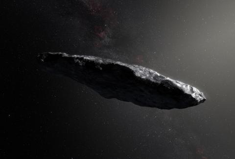 지구에서 관측한 '오무아무아'의 가상도. 태양계를 순회한 이 물체가 혜성, 소행성과 다른 특징들이 발견되면서 천문학자들 간에 외계 비행체  논쟁이 가열되고 있다.