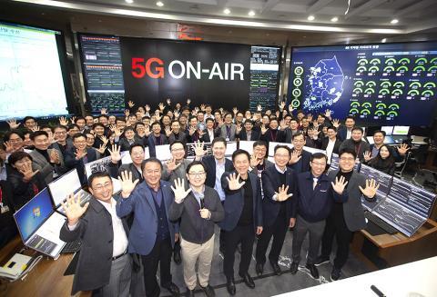 지난 1일 국내 이동통신3사는 일제히 5G 전파 송출에 성공하며 새로운 통신시대를 열었다.(사진=SKT) ⓒ SKTelecom