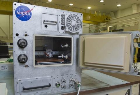 플라스틱 소재의 반복 사용이 가능한 리퍼브리케이터 ⓒ NASA
