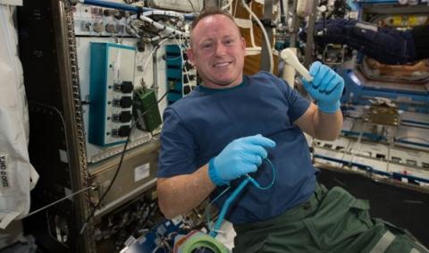 소재를 반복해서 사용할 수 있는 3D 프린터는 ISS에서 테스트 중에 있다 ⓒ NASA