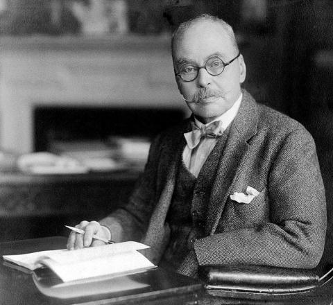 말라리아가 모기에 의해 전파된다는 사실을 처음으로 밝혀내 1902년 노벨상을 받은 로널드 로스 박사.
