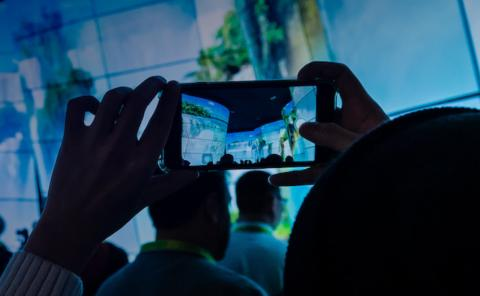 8일부터 3일간 열리는 세계최대의 IT, 가전박람회  ''CES 2019'에서 인공지능, 5G와 관련된 첨단기기기가 대량 선보일 예정이다.