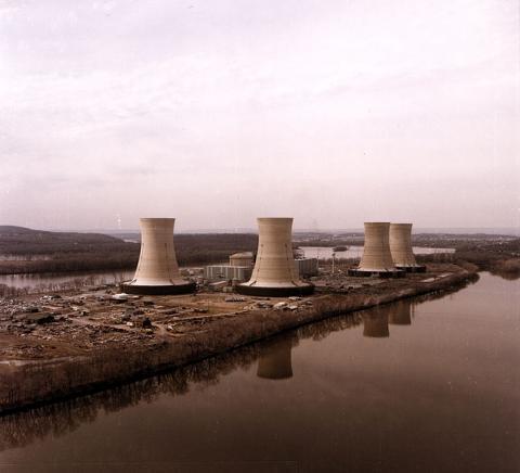 1979년 핵연료 누출사고를 일으켰던 미국 스리마일섬 원자력발전소 ⓒ GNU Free Documentation License