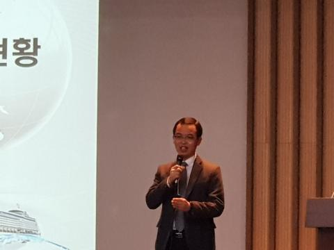 김평중 한국석유화학협회 연구조사본부장이 '국내외 플라스틱 생산 및 소비 현황'을 발표했다.