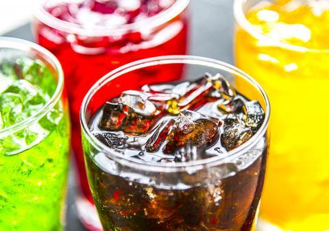 소프트 드링크 등 설탕 가미 음료와 조기 사망 위험과의 상관성을 조사한 연구 결과 설탕 음료를 많이 마실수록 심장병 및 뇌질환으로 인한 조기 사망 위험이 높아지는 것으로 나타났다.  ⓒ Pixabay