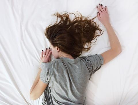 수면 빚 갚는데도 왕도가 있다. 지나친 주말 몰아자기나 과도한 낮잠은 오히려 생체리듬을 흐트러지게 만든다. ⓒ Pixabay