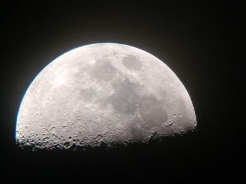 인류가 달에 착륙한지 50년 만에 중국, 러시아, 인도, 일본 등 각국이 앞 다퉈 달 탐사 계획을 발표하고 있다.  ⓒ 과학책방 갈다