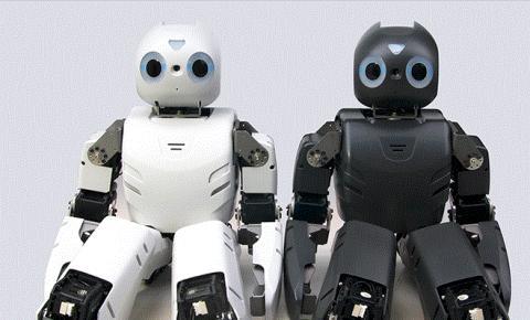 보다 인간과 가깝게, 휴머노이드 로봇을 향한 (주)로보티즈의 열정이 뜨겁다. 로보티즈가 개발한 소형 휴머노이드 로봇 '미니'.
