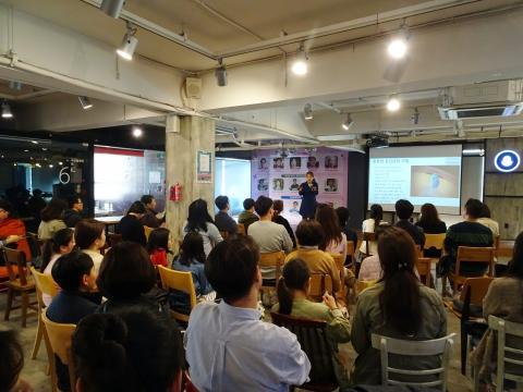 한국과학창의재단이 주관하는 '대한민국 과학축제-미래를 여는 강연'에 과학에 관심있는 많은 시민들이 참석했다.