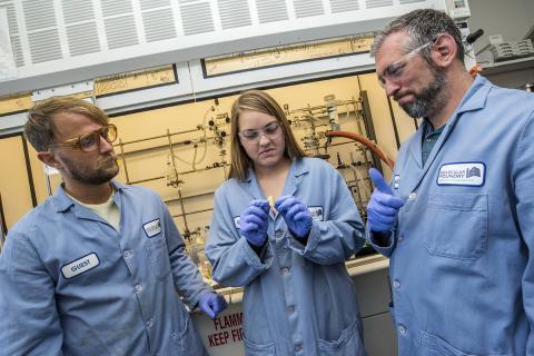 크리스텐센 박사(왼쪽)와 헬름스 박사(오른쪽)  ⓒ 로렌스버클리 연구소