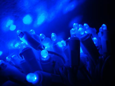 청색 발광다이오드(LED)의 모습. 이로 인해 인류는 보다 더 효율적이고 친환경적인 발광다이오드 조명을 갖게 됐다. ⓒ wikimedia.org