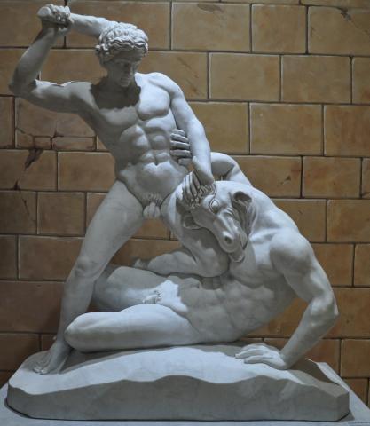 라비린토스(미로)에서 미노타우루스를 죽이는 테세우스.  ⓒ 제주 그리스신화박물관