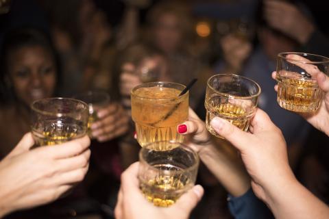 임산부의 음주를 제한하기 위해 시행하는 여러 정책들이 오히려 태아의 건강에 악영향을 미친다는 연구결과가 발표됐다. ⓒ Public Domain