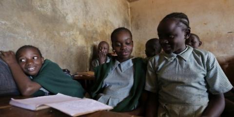 빈곤 해결을 위한 가장 근본적 대안으로 교육이 꼽히고 있다