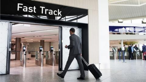 사회적 현안을 과학기술로 조기에 해결하는 패스트트랙 제도가 도입된다 Ⓒ Bristol Airport