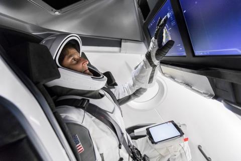 크루 드래곤 우주선 내부 ©SpaceX