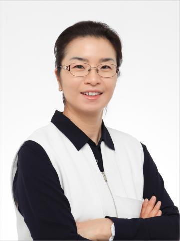 <우리 집에 화학자가 산다>의 저자 김민경 한양대학교 화학과 교수.