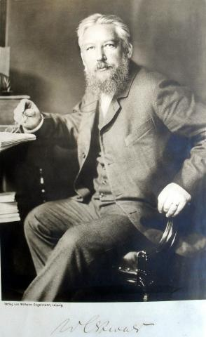 촉매에 관한 연구와 화학 평형 및 반응속도에 관한 기초연구 업적을 인정받아 1909년 노벨 화학상을 수상한 프리드리히 오스트발트. ⓒ public domain