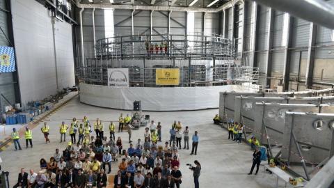 국제핵융합실험로(ITER)에서는 지난 23일 인도에서 제작한 세계 최대 규모의 고진공 극저온 챔버의 이전을 기념하는 행사가 열렸다.  © Twitter / ITER Organization