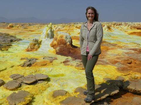 제니 래드보 박사는 현장을 누비는 베테랑 과학자이자, 과학 교육에도 많은 관심을 갖고 있다. (c) Jani Radebaugh